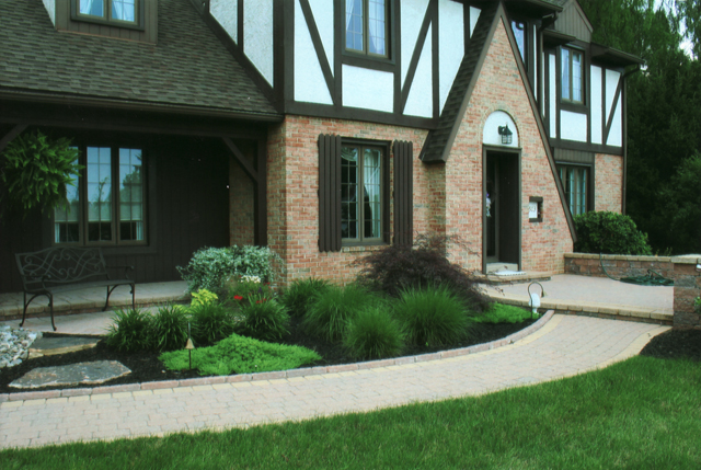 front yard stone walkway